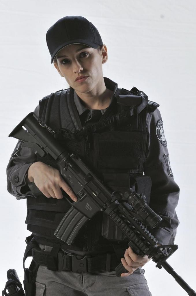 Amy jo johnson flashpoint