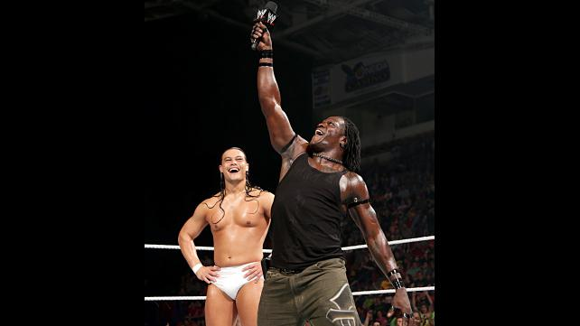 R-Truth wins!