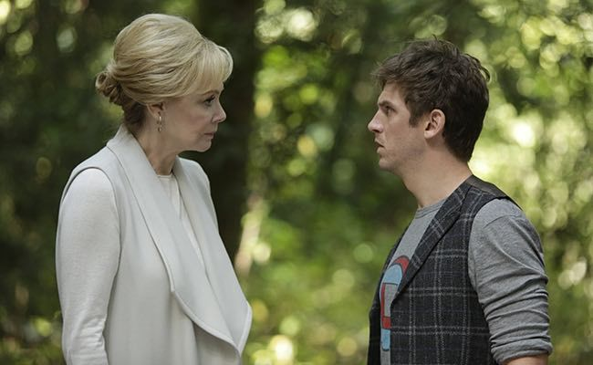 "LEGION -- ""Chapter 2"" (Airs Wednesday, February 15, 10:00 pm/ep) -- Pictured: (l-r) Jean Smart as Melanie Bird, Dan Stevens as David Haller. CR: Michelle Faye/FX"